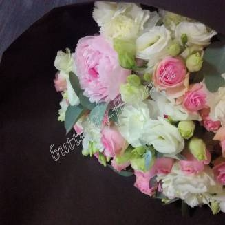 "Bouquet of spray roses, lisianthus and peonies ""Sophistication"""