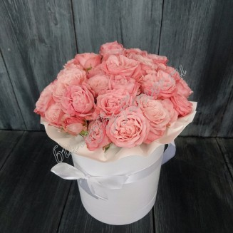 "Bouquet of 11 peony roses in a designer box ""Mademoiselle"""