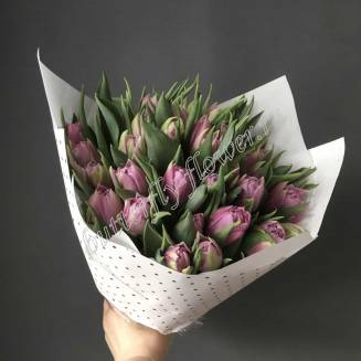 Bouquet of 31 lilac peony tulips in craft