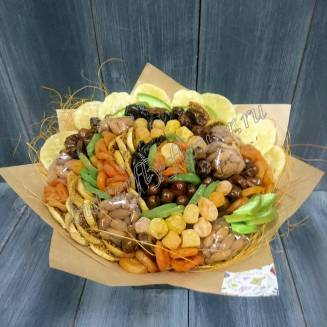 """Bouquet of dried fruits and nuts """"Autumn Waltz"""""""
