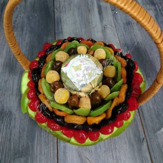 """Bouquet of dried fruits and confiture in a basket """"Kaleidoscope"""""""