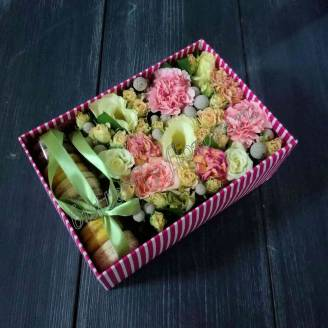 "Bouquet of flowers and macaroons in decorative box ""Dewdrops"""