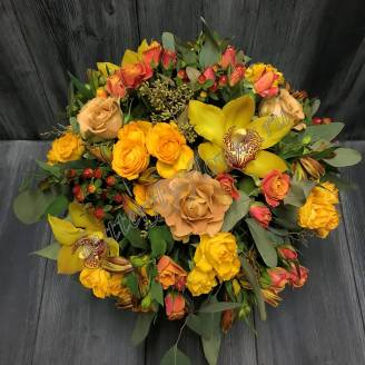 "Bouquet of orchids, roses and alstromeries in a decorative box ""Autumn Kiss"""