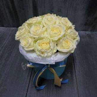 "Bouquet of roses in designer box ""Pink souffle"""
