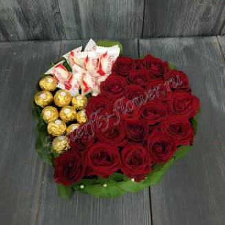 """Food bouquet of sweets and red roses in the form of a heart """"Sweet taste of love"""""""