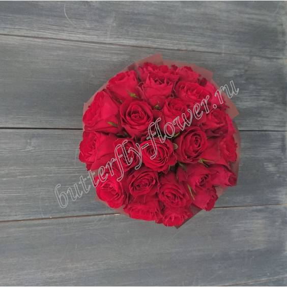 "25 roses in a hat box ""Nobility»"