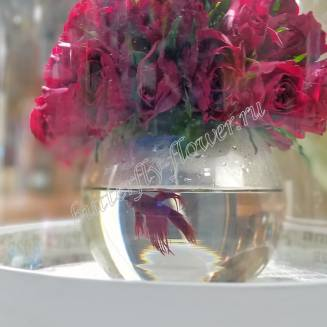 "Arrangement of red roses in a vase-aquarium ""Red Fish"""