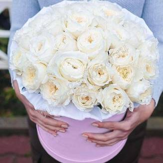 "Bouquet of 35 white peony premium roses in a designer box ""Isadora"""