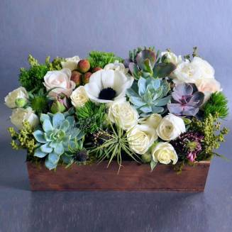 "Bouquet of roses, succulents and amemon in wooden box ""Coral Reef"""
