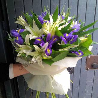 """Bouquet of lilies and irises """"Blue Rime"""""""