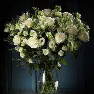 "Bouquet of roses and eustoma ""White Dance"""