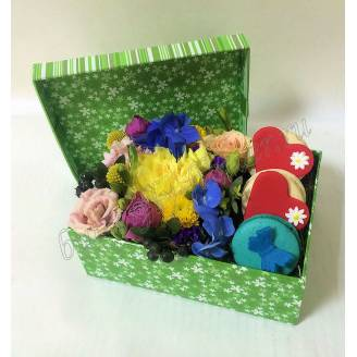 "Bouquet of hydrangea, roses, eustoma and macaroons in the decorative box ""Summer mood"""