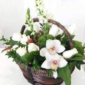 """Basket with orchid, roses and antirrinum """"Awakening"""""""