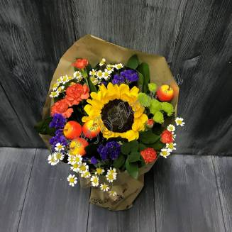 """Bouquet with a sunflower and Matricaria """"Still life"""""""