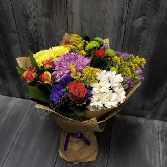"""Bouquet of roses and chrysanthemums """"Carnival"""""""
