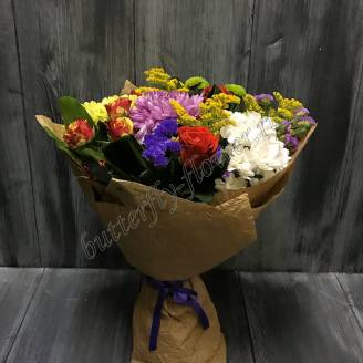"Bouquet of roses and chrysanthemums ""Carnival"""
