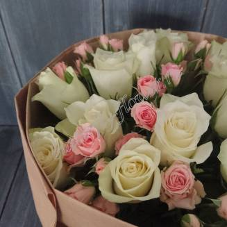 "Bouquet of white roses and spray roses ""The most tender"""