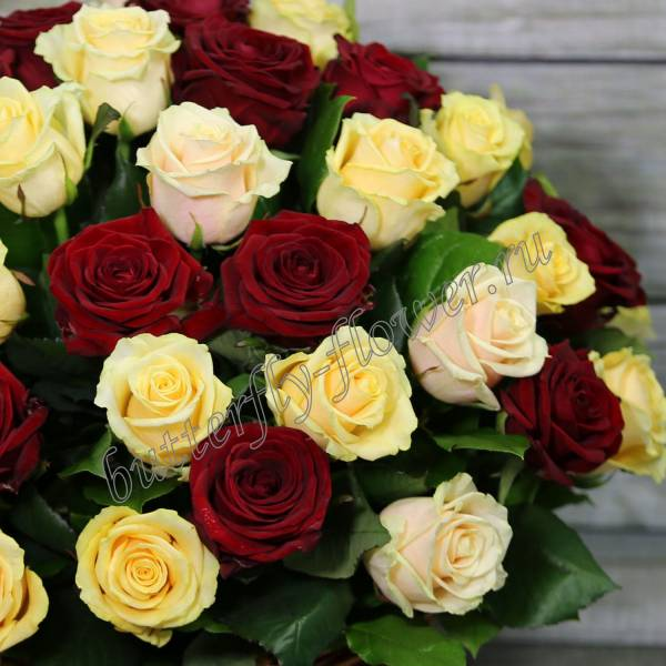 """Basket with red and light roses """"Yin Yang"""""""