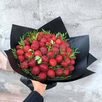 "Food bouquet of strawberries and pistachios in black craft ""Strawberry Shake"""