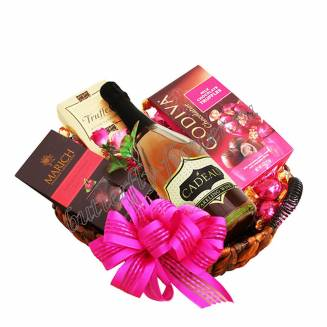 "Gift Basket ""Life in Pink"""