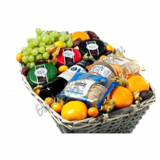 "Gift basket with fruit, cheese, pate and alcohol (Wine) as a gift ""Cheese abundance"""