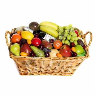 "Gift basket with fruits and alcohol (wine) as a gift ""Sea of fruits"""