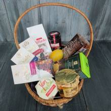 "Gift basket with tea, jam, honey and cookies ""Tea ceremony"""