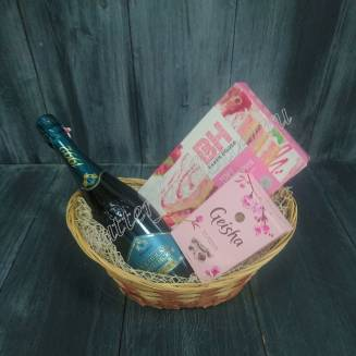 "Gift basket with chocolates, cake and alcohol (champagne) as a gift ""Geisha Charm"""