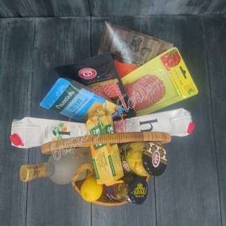 "Gift basket with sausage, cheese, fish, vegetables, juice and alcohol (Vodka Tsarskaya) as a gift ""Heart to heart conversation"""