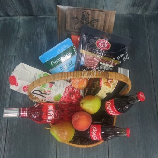 "Gift basket with sausage, cheese, fish, fruits, sweets and alcohol (Finlandia Vodka) as a gift ""Meeting evening"""
