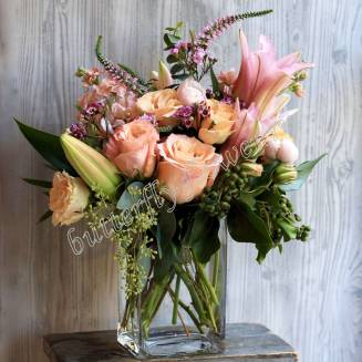 """Bouquet of lilies, roses and veronica """"Veronica"""""""