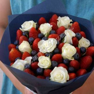 "Food bouquet of strawberries, blueberries and roses ""Berry No.629"""