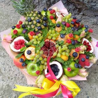 "Food bouquet of roses, berries and fruits ""Bora Bora"""