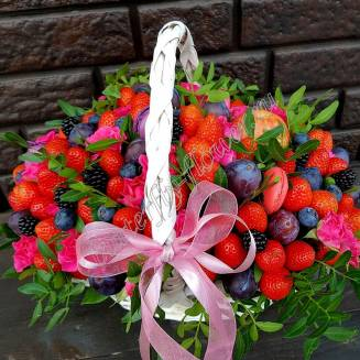 "Food bouquet of strawberries, blueberries, blackberries, plums and sweets in the basket ""Parisian"""