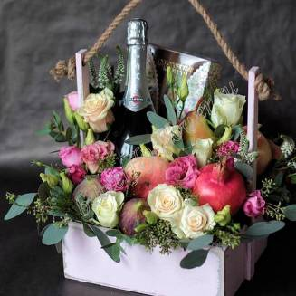 "Food bouquet of fruits, sweets, alcohol and flowers in a wooden box ""Berry No.645"""