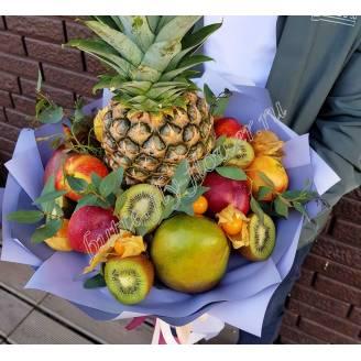 "Food bouquet of pineapple, kiwi, nectarine, mango and other exotic fruits ""Heat"""