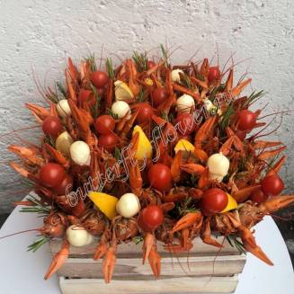 """Bouquet of crayfish and vegetables in a decorative bucket """"Delicious No.704"""""""
