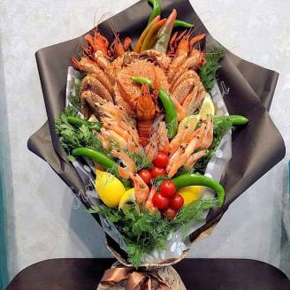 "Bouquet of crayfish, crab, shrimp, lemon, vegetables and herbs ""Delicious No.710"""