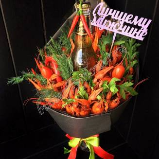 """Bouquet of crayfish, vegetables, herbs and alcohol (beer) as a gift """"Delicious No.712"""""""