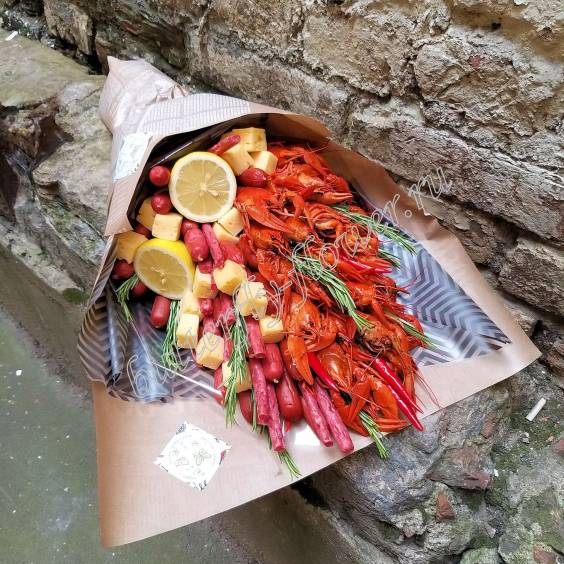 """Bouquet of crayfish, sausages, herbs and cheese """"Delicious No.722"""""""