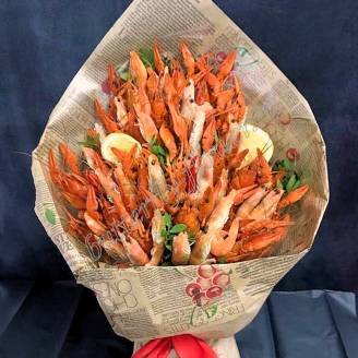 "Bouquet of crayfish, shrimp, lemon and greens in craft ""Delicious No.727"""