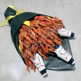 """Bouquet of 1.5 kg of crayfish, lemon and alcohol (beer) as a gift in a black craft """"Delicious No.730"""""""