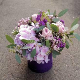 "Bouquet of hydrangeas, roses and matthiola in designer box ""Lilac haze"""
