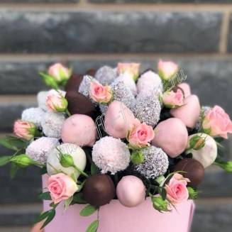 "Food bouquet of chocolate covered strawberries and spray roses in a hat box ""Sweet No.803"""