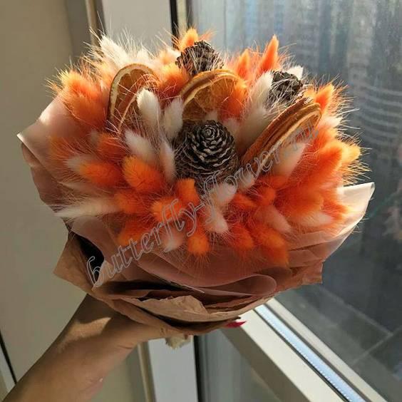 """Bouquet of dried flowers - lagurus, cones and orange slices """"Winter Sun"""""""