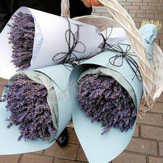 """Bouquet of dried flowers - lavender in the craft of """"Le Castelle"""""""
