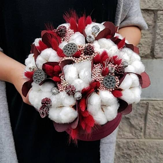 """Bouquet of dried flowers - lagurus, cotton, eucalyptus, lotus and decorative berries in a designer box """"Dolce"""""""