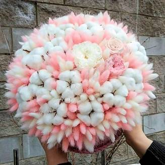 """Bouquet of dried flowers - lagurus, cotton and stabilized roses in design box """"Irma"""""""