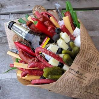 "Food meat bouquet of sausage, vegetables, cheese and beer (as a gift) ""For Man No.934"""