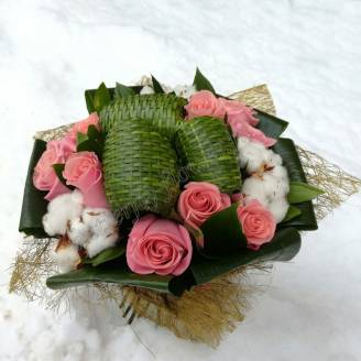 "Bouquet with roses, cotton and aspidistra ""First Snow"""